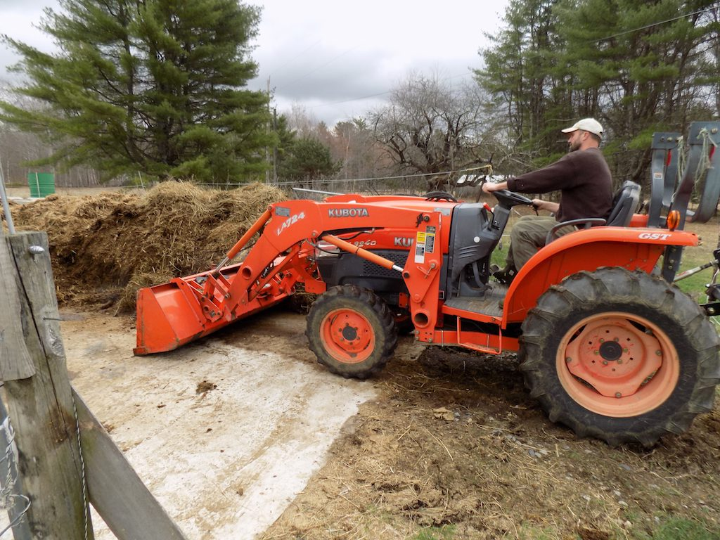 Loading fresh manure to take to the field
