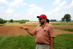 Michel Cavigelli discussing his crop rotation project